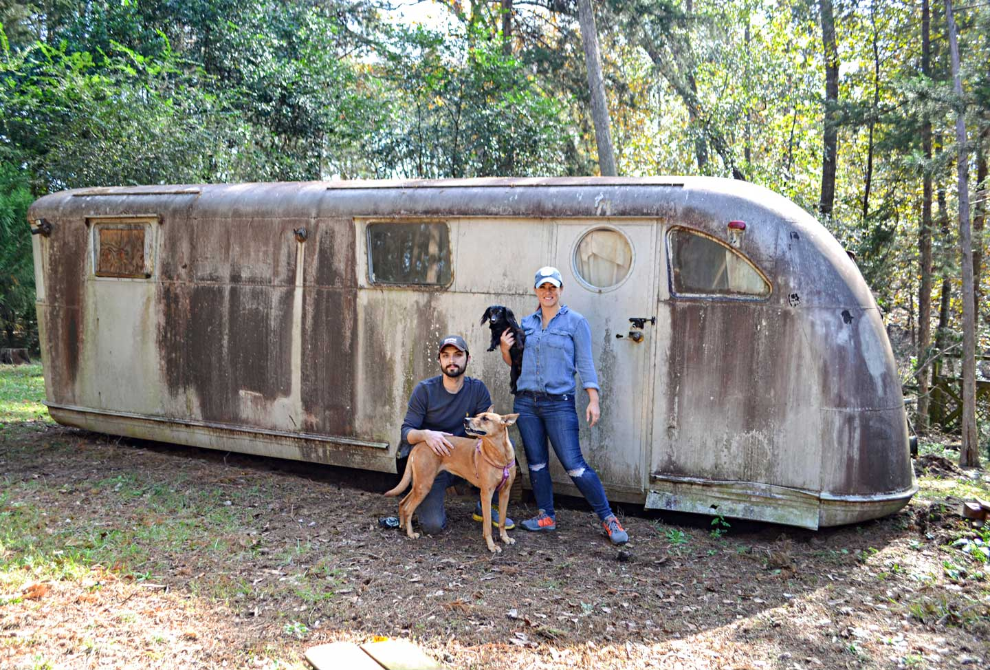 Ruby-Vintage-Travel-Trailer-1946-Spartan-Manor-in-wooded-field