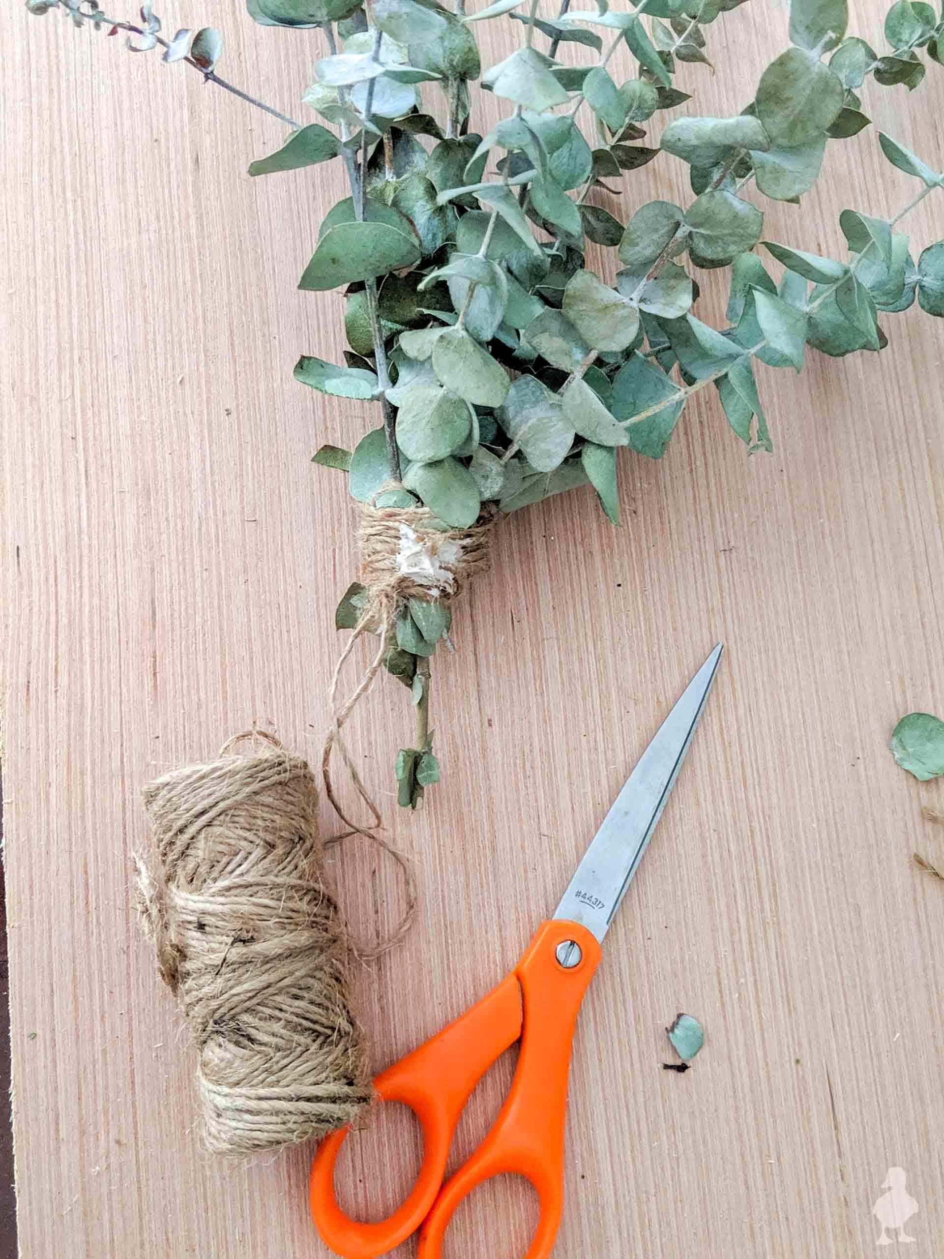 diy eucalyptus bath bouquet